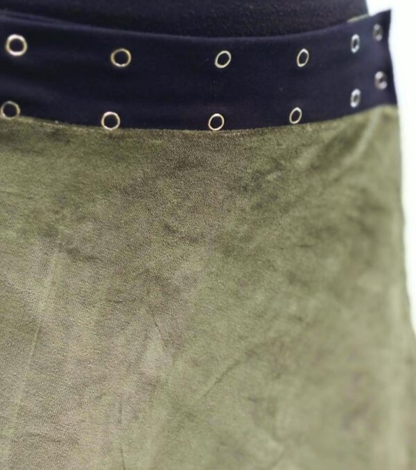 Pollera Plush verde oliva